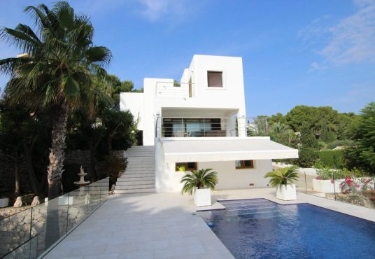 CD205685-Villa-in-Moraira-01