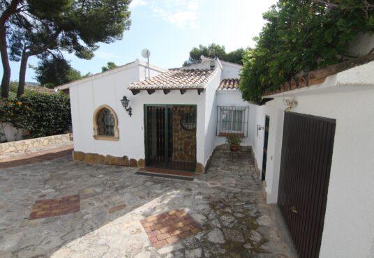 CD247392-Villa-in-Moraira-02