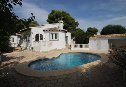 CD247392-Villa-in-Moraira-01