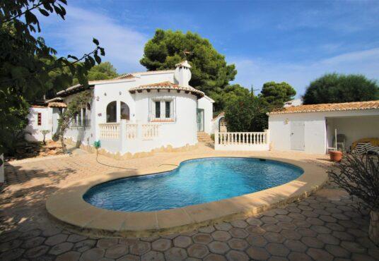 CD247392-Villa-in-Moraira-01