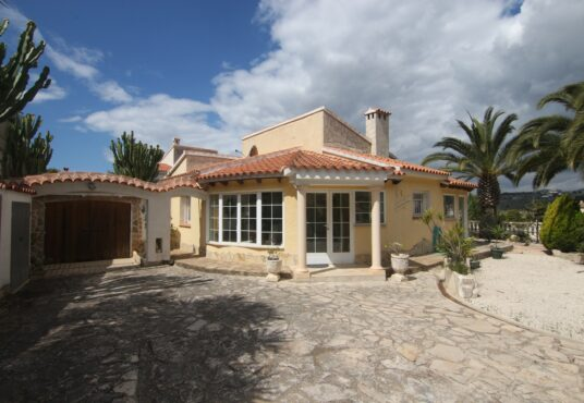 CD259779-Villa-in-Benitatxell-01